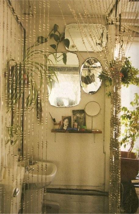 Bathroom plants - asparagus fern, spider plant, pathos.