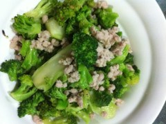 """Blanching Vegetables in Chinese Cooking - 利用汆烫准备可口的中式的""""菜""""肴"""