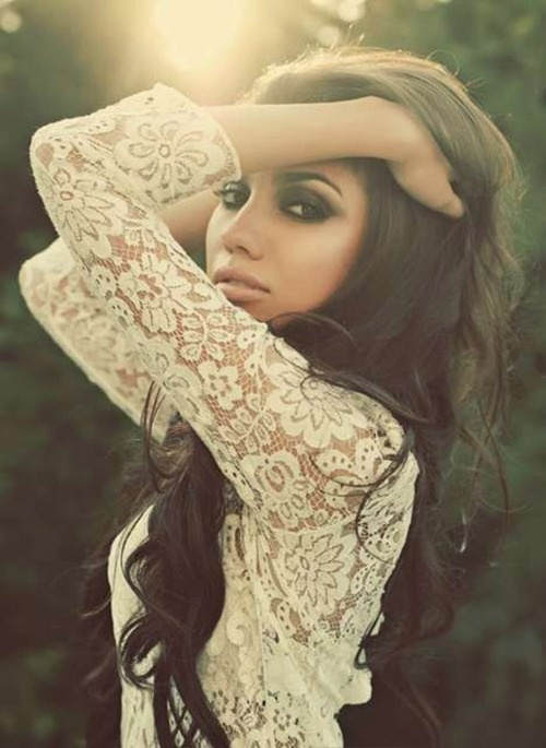Love the make-up and lace top