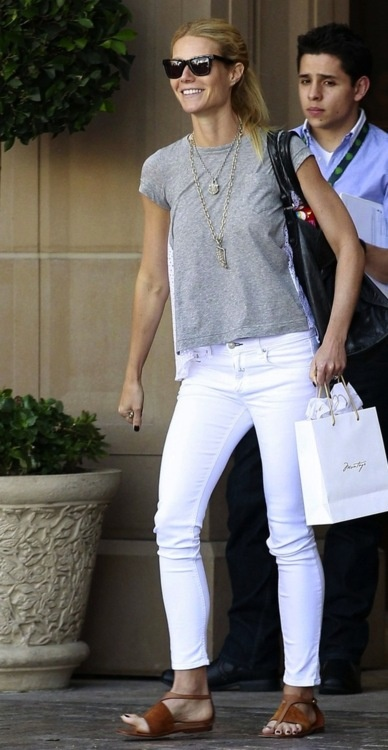 Gwyneth loves white denim, we love Gwyneth and white denim!