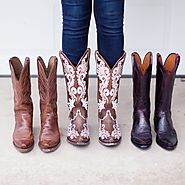 Ongoing Giveaway Link Up | 12/21/16 Stripes + Cowboy Boots | Lone Star Looking Glass