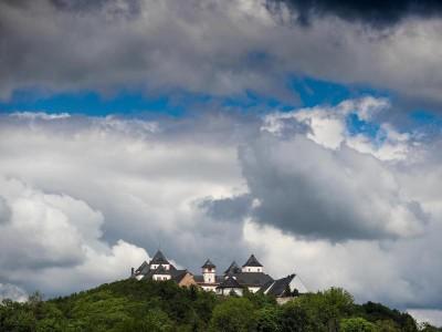 Ausstellungen – Augustusburg: Augustusburg zeigt multimediale Schau