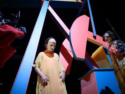 Zwei Premieren der Berliner Volksbühne: Dünger für die Rettung der Welt
