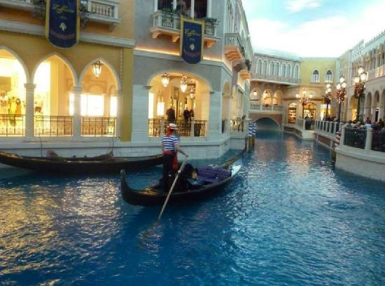 Our Romantic Gondola Wedding Picture Of Weddings At The