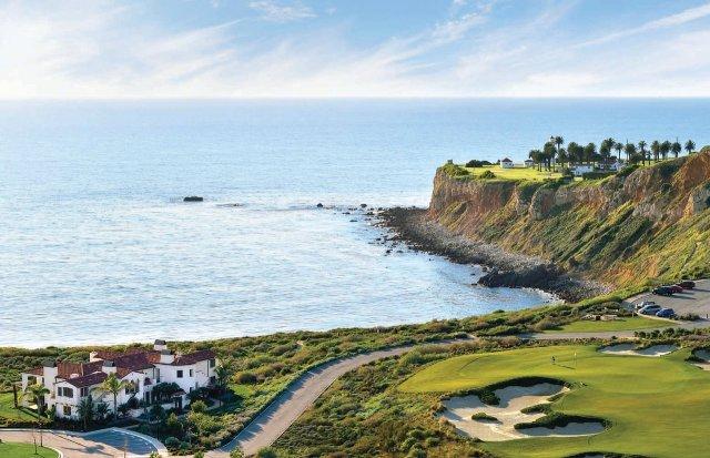 """Structure hôtelière commerciale sur un parcours de golf au bord du Pacifique """"width ="""" 1280 """"height ="""" 827"""
