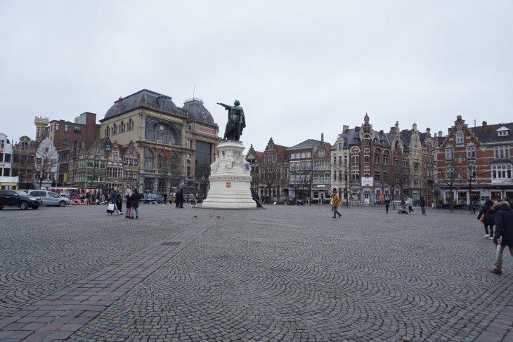 Vrijdagmarkt (Gante) - 2020 Qué saber antes de ir - Lo más ...