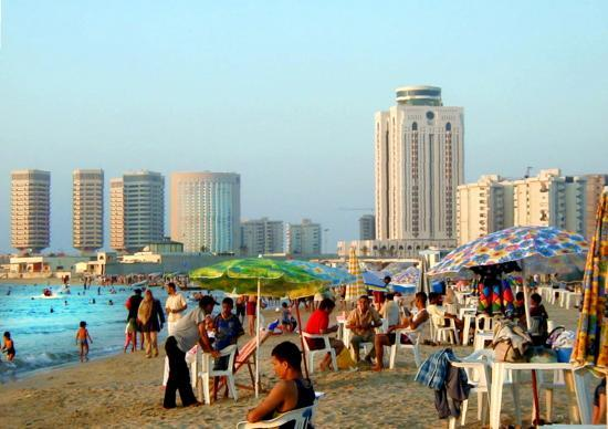 https://i2.wp.com/media-cdn.tripadvisor.com/media/photo-s/00/12/6c/db/sea-side-in-tripoli.jpg