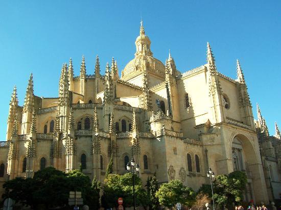 Alcazar De Segovia And Disney
