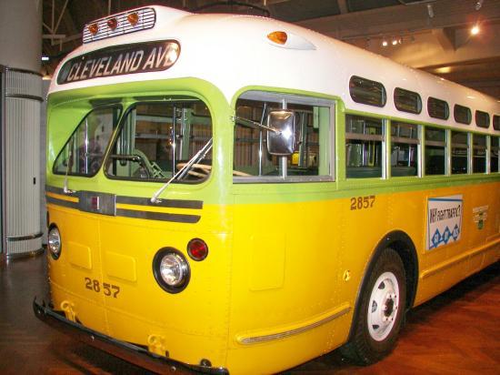 Vuoi fare un giro sul mio bus, baby?
