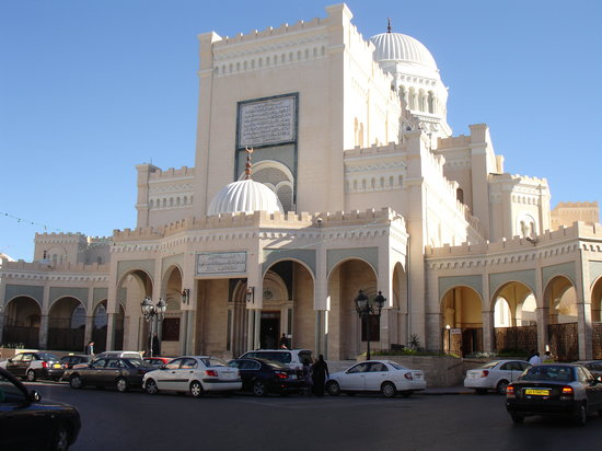https://i2.wp.com/media-cdn.tripadvisor.com/media/photo-s/01/22/e3/30/tripoli-libya.jpg