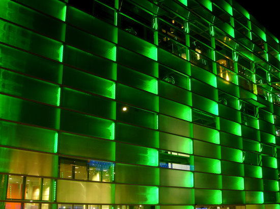 Facade - 40,000 LEDs illuminate the Ars Electronica Center