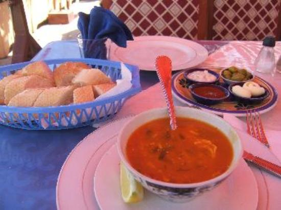 Restaurant Ibtissam, Harira soup and free accompaniments