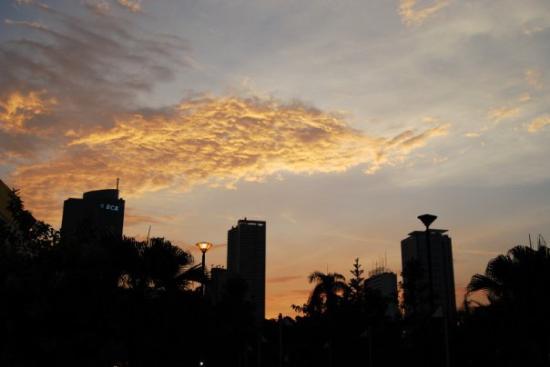 Ilustrasi Langit Jakarta