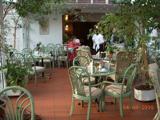 Hotel Cafe Konditorei Goldinger: The restaurant