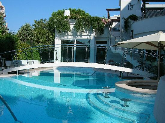 vista piscina hotel Belvedere (27037296)