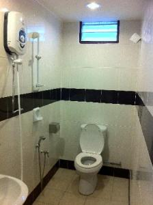 Washroom   Picture of Hotel Shangg  Ipoh   TripAdvisor Hotel Shangg  Washroom