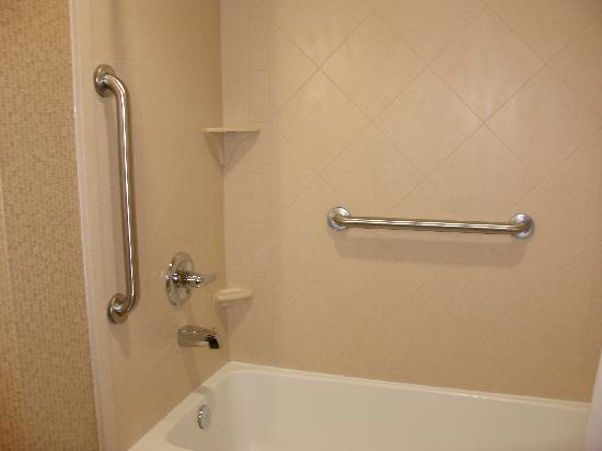 Nice Clean Tub With Grab Bars Picture Of Best Western
