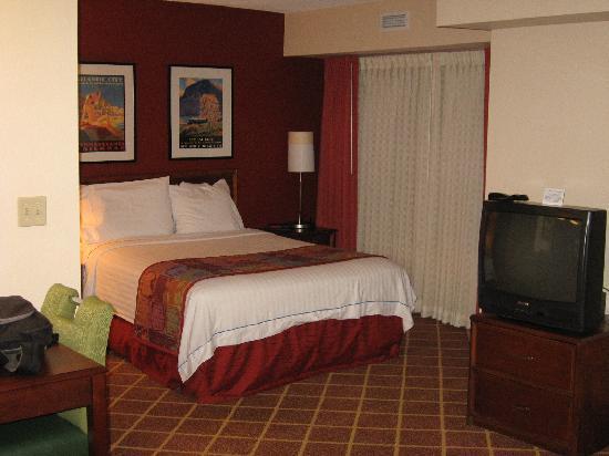Residence Inn Richmond Northwest Short Pump Regular Room Queen Size Bed