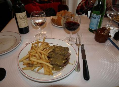 Le Relais de l'Entrecote: Simple is best