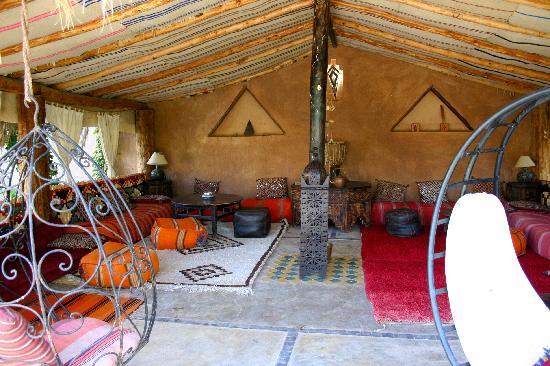 Un Petit Salon Marocain Dans Le Jardin Picture Of Bab El Oued Maroc Ecolodge Agdz Tripadvisor