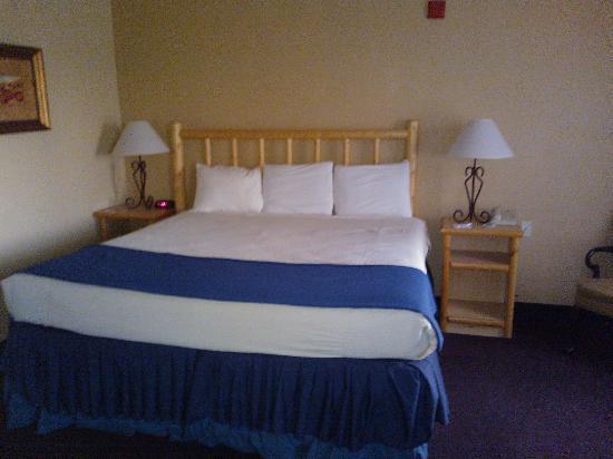 Hawthorn Suites By Wyndham Las Vegas Henderson Jacuzzi Room King Bed