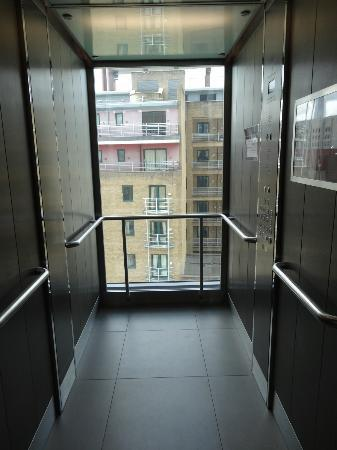 Intrieur De Lascenseur Photo De Grange Tower Bridge