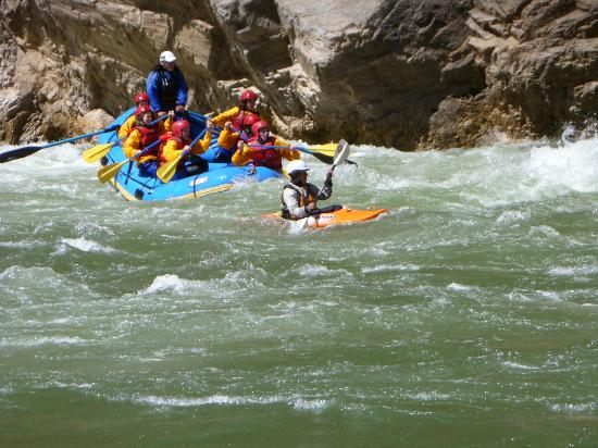 Activities Peru Rafting tours: Class IV on Rio Apurimac, Peru