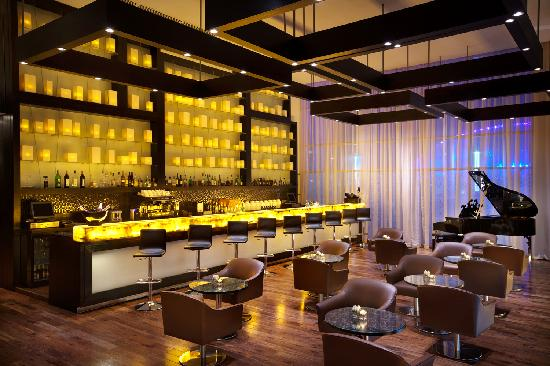 The Lounge Doha Qatar Address Phone Number Bar