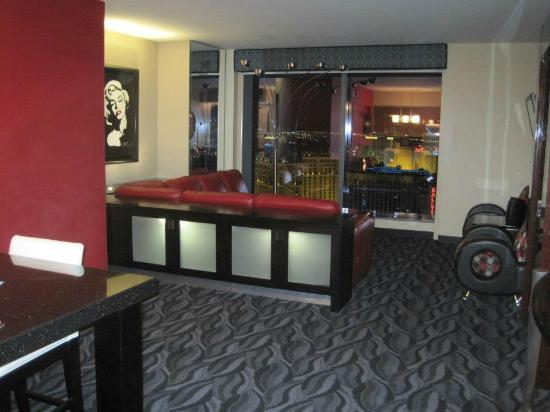 Elara Hotel 40 Bedroom Suite Green Valley Ranch Casino Floor Map Mesmerizing Elara Two Bedroom Suite Painting