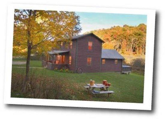 The Farm House In Lansing WV