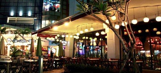 Hasil gambar untuk Downtown Walk Summarecon Mall Serpong