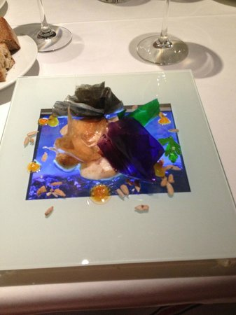 Food on an iPad to create a fully immersive gastronomic experience