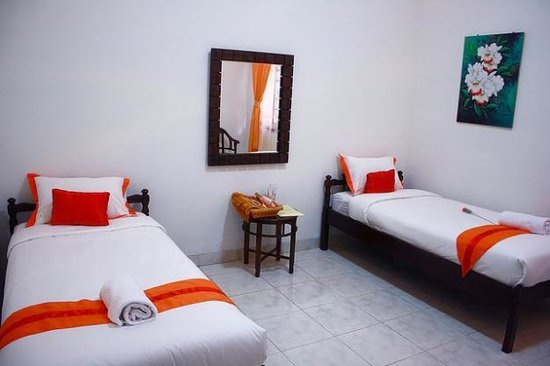 Indonesia Hotel Malioboro Alamat Jalan Sosrowijayan 9 Phone 0274 587659 Penginapan Murah Backpacker Yogyakarta