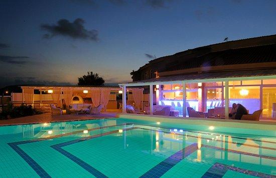 Paradise Island Villas - Pool Side Area (65135891)