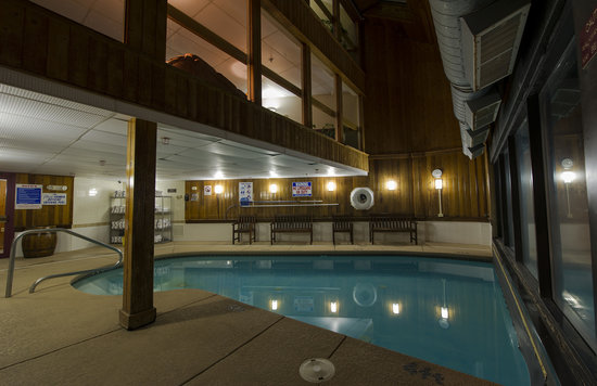 Indoor Outdoor Pool   Picture of Black Bear Lodge  Waterville Valley     Black Bear Lodge  Indoor Outdoor Pool