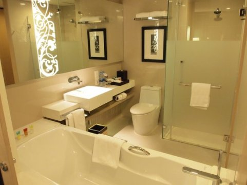 High quality of Washroom   Picture of Four Points By Sheraton     Four Points By Sheraton Bangkok  Sukhumvit 15  High quality of Washroom