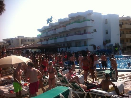 Ibiza Jet Apartments Festa Sulla Spiaggia Tutti I Pome