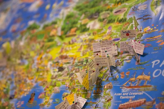 Every flag on the world map is telling how traveler love Taiwan so much - 中和臺灣旅行時刻青年旅舍的圖片 - TripAdvisor
