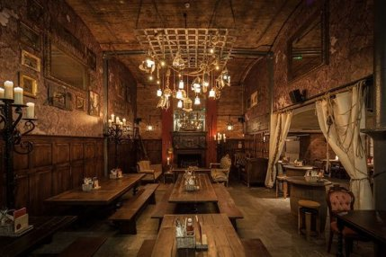 The Smuggler's Cove - instagrammable Liverpool restaurant with medieval or pirate theme