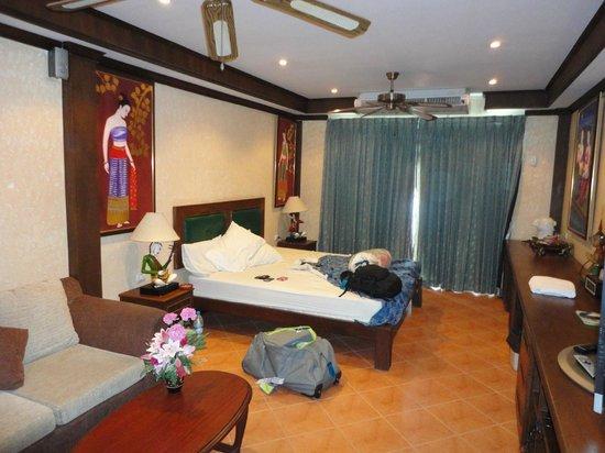 Queen Vic Hotel Pattaya