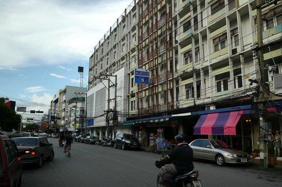 Cheap hotel - Review of Lopburi Asia Hotel, Lop Buri ...