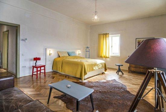 Cluj Apartments Retro Apartment Bedroom