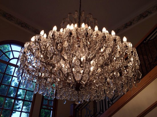 Rozenhof Guest House The Entrance Gorgeous Chandelier