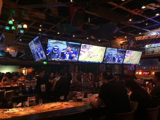 Great Restaurant And Bar Picture Of 54th Street Grill