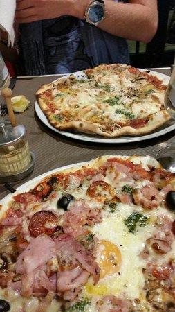 pizza les halles et pizza au saumon