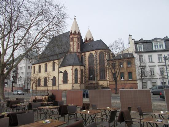 Iglesia de San Leonardo vista desde el puente Eiserner ...