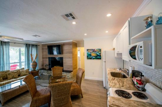 Siesta Key Beach Side Villas 1 Bedroom Suite W Bonus Room