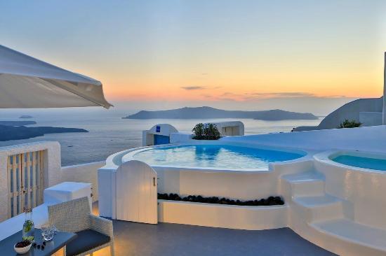 Pool Suite (131928773)