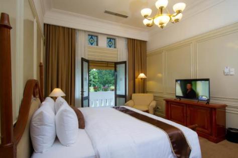 Hasil gambar untuk kamar hotel salak