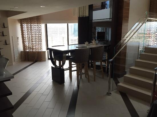 1 Bedroom Balcony Suite Mgm